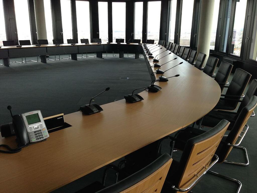 生産的なチームの会議は報告じゃなく生産をする 〜 会議を協働作業にするパラダイムシフト