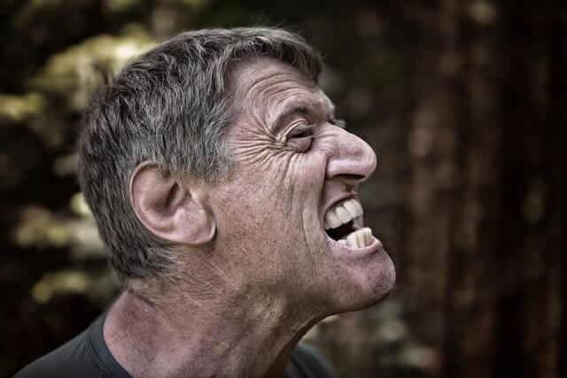 マネージャ寓話:怒りっぽい上司と怒らない上司